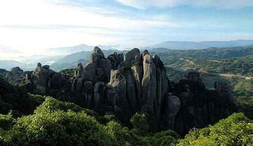 5小时):鼎湖峰是仙都风景名胜区的核心.